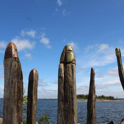 Tammisotilaat Kotkan Katariinan meripuistossa
