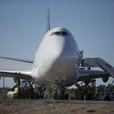 Sex finländska fredsbevarare åkte iväg till Centralafrikanska republiken från Åbo den 17 maj 2014.