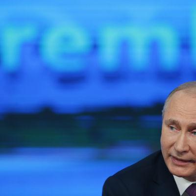 Vladimir Putin på sin årliga presskonferens i Moskva den 18 december 2014.