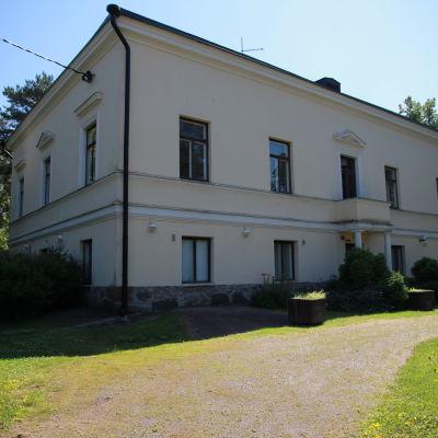 Huvudbyggnaden på Drumsö gård