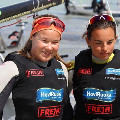 Silja Kanerva och Sinem Kurtbay
