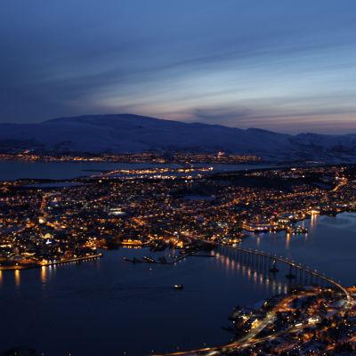Nattvy över Tromsö.