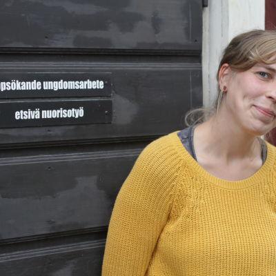 Anna-Lena Starck arbetar med uppsökande undomsarbete i Jakobstad.