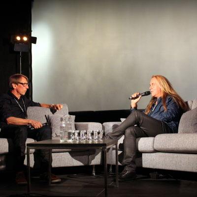 Låtskrivaren Thomas G:son intervjuas av Kjell Ekholm på Musik och Talang.