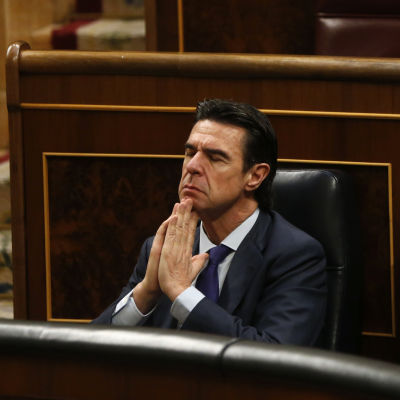 Spaniens industriminister Juan Manuel Soria avgår efter avslöjanden om att han var direktör för ett brevlådebolag i skatteparadiset Bahamas