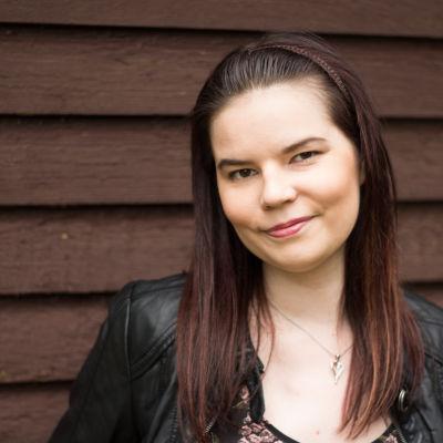 Pernilla dricker nästan aldrig alkohol, ett val som hon ofta måste försvara för andra.