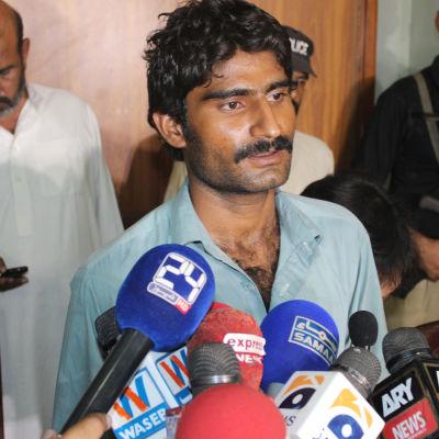 Brodern till den mördade pakistanska kvinnoaktivisten Qandeel Baloch erkänner sitt dåd.