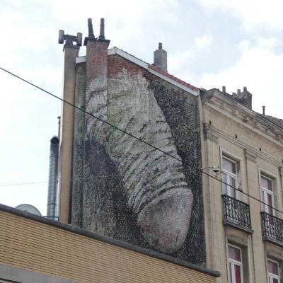 Väggmålning på ett hus i Bryssel