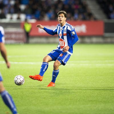 Sebastian Dahlström spelar fotboll för HJK.