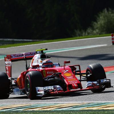 Kimi Räikkönen i sin Ferrari på Spa.