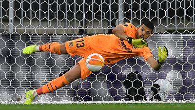 Villarreal målvakt Geronimo Rulli under en straffläggning 2021.