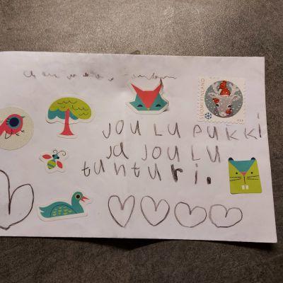 Lapsen joulupukille osoittama kirjekuori.