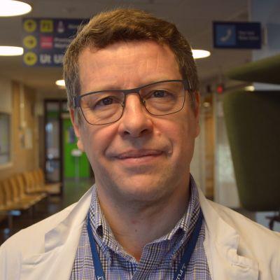 Infektionsöverläkare Juha Salonen på Vasa centralsjukhus.