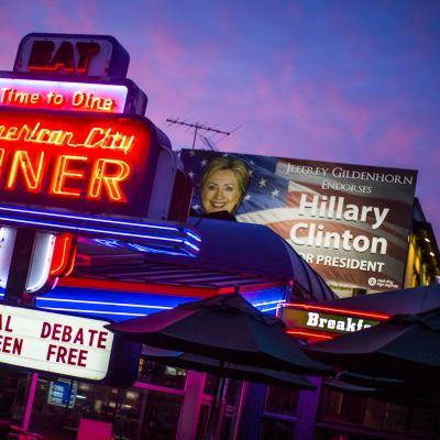 Washingtonilainen ravintola mainostaa vaaliväittelyä