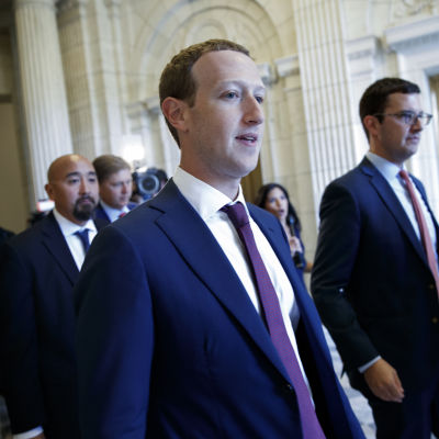 Facebook-vd:n Mark Zuckerberg i kongressbyggnadens i USA:s huvudstad Washington den 19 september 2019.