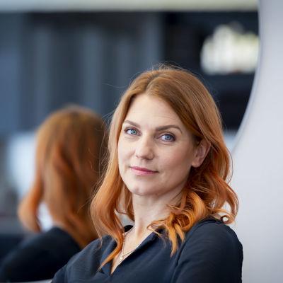 Kampaamoyrittäjä Kati Voittola.