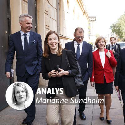 Regeringen Rinne vandrar glada på gatan.