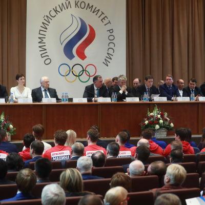 Ryska olympiska kommitén funderar på vem de får skicka till Pyeongchang.