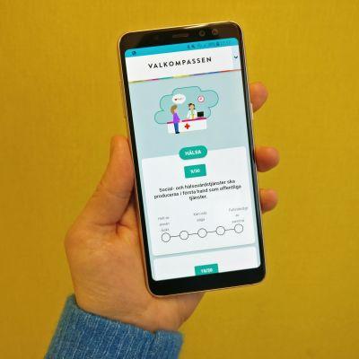 Mobiltelefon som visar valkompassen.
