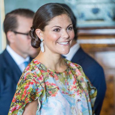 Kronprinsessan Victoria i närbild.