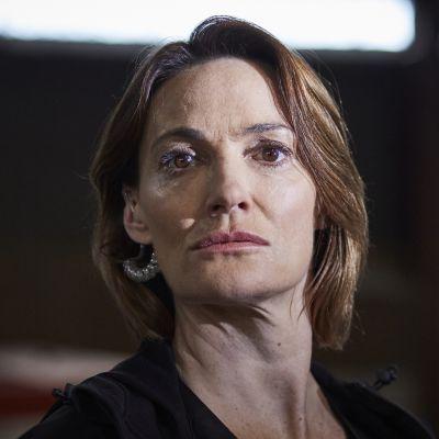 Uusi brittiläinen draamasarja kertoo menestyneen poliisin piinasta. Pääroolin näyttelee Sarah Parish.