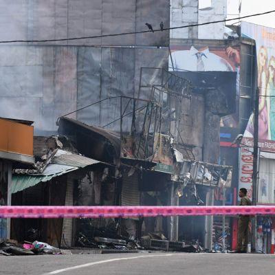 Förstörd butik efter attack i Minuwangoda, Sri Lanka