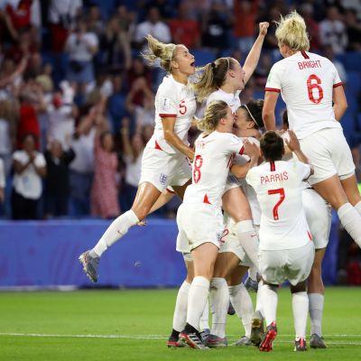 Englanti pudotti Norjan ja eteni MM-välieriin