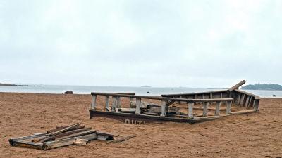 Söndrig sandlåda på Drumsö