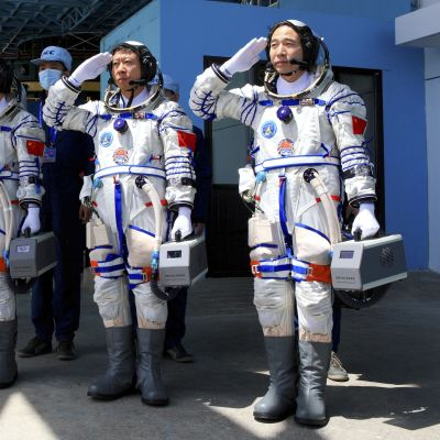 Shenzhou-9:s astronauter