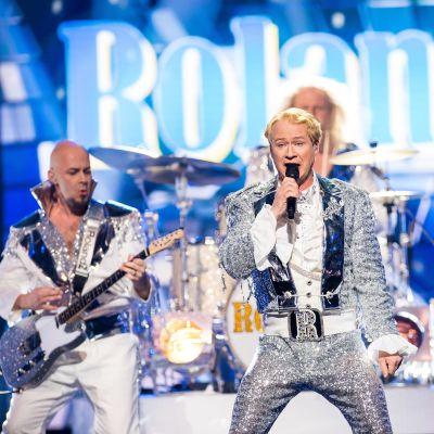 Rolandz fuldansar till Melodifestivalens final.