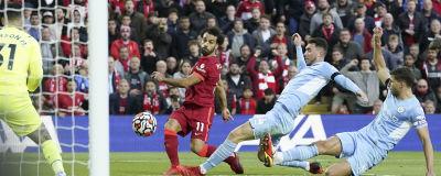 Mohamed Salah skjuter.
