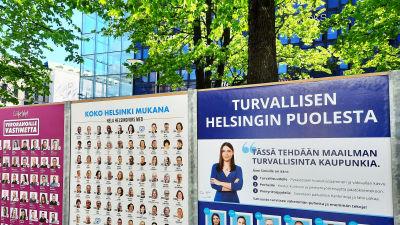 Valaffischer i Helsingfors centrum.