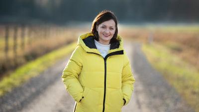 Ympäristövaikuttaja, luonnonsuojelija ja yrittäjä Saara Kankaanrinta kotitilallaan Qvidjassa.