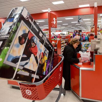 Amerikaner shoppar i Glenview i Illinois 2012 den 22 november 2012.