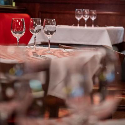 La Famiglia ravintolan ravintolasali Flamingossa.