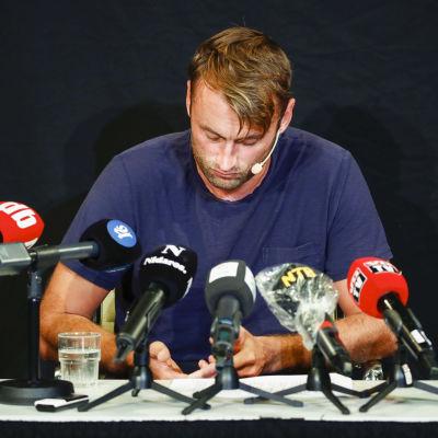 Petter Northug på presskonferens 2020.
