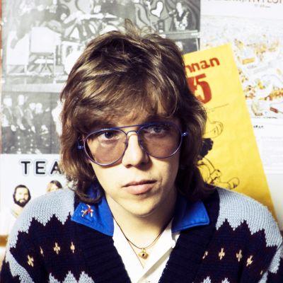 Mikko Alatalo Iltatähden juontajana 1975.