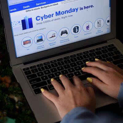 """Cyber Monday""-handel via dator"