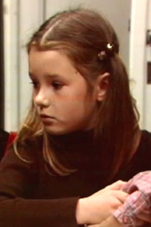 Flicka med docka, Yle 1975