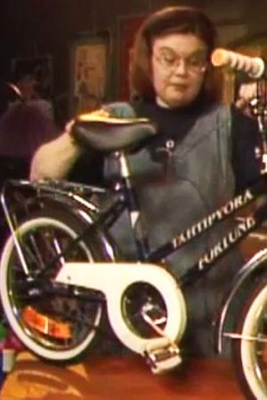 Neppe visar cykel, Yle 1996