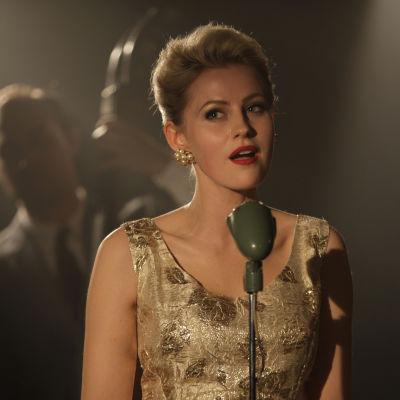 Bild på skådespelaren Edda Magnason som Monica Zetterlund i filmen med samma namn.