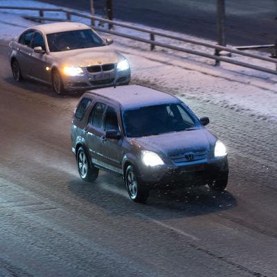 Autoja, Hakamäentie helsinki, lumisade, räntäsade, liikenne, lumipyry