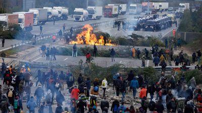 Vägen AP-7 i Girona i norra Spanien blockeras 13.11.2019