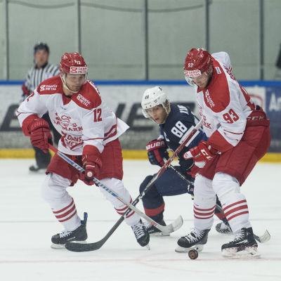 Danska hockeyspelaren Peter Regin i match mot USA.