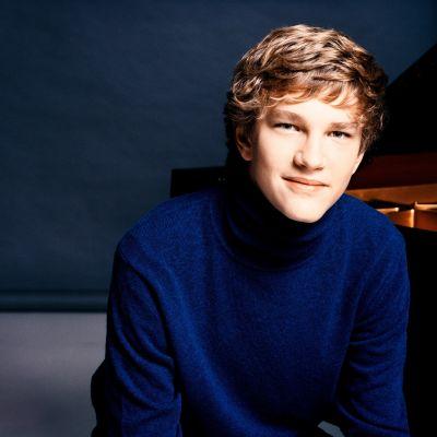 Jan Lisiecki, piano