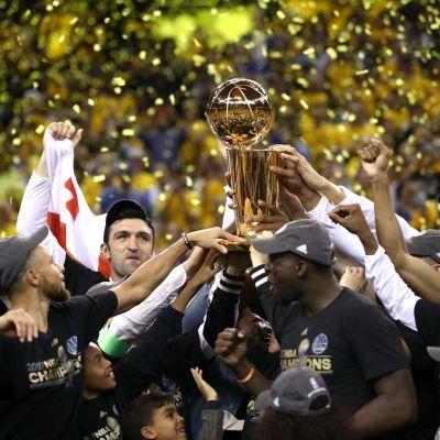 Golden State Warriors med bucklan