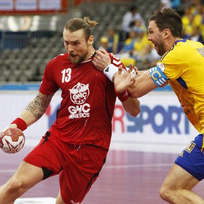 Tobias Karlsson och Pavel Horak, Sverige-Tjeckien, handbolls-VM, januari 2015.