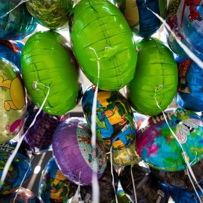 Vappupalloja myynnissä Citymarketissa.