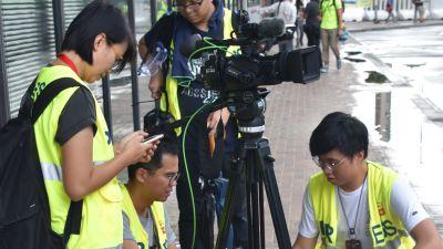 Allt fler journalister upplever att det för säkerhets skull är bäst att idka självcensur. Journalistförbundet försöker se till att pressfriheten inte minskar ytterligare.