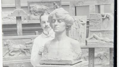 Emil Cedercreutz i sin ateljée i Harjavalta.